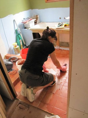 Cleaning Tile And Grout Floor